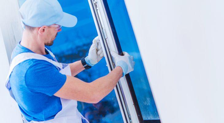 La vitrerie, qui exige de l'expérience et de la délicatesse